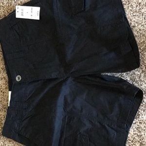 Never worn black cargo shorts